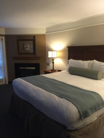Chardon, OH: Lovely Inn