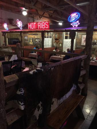 Riscky's Barbeque: Nice interiors