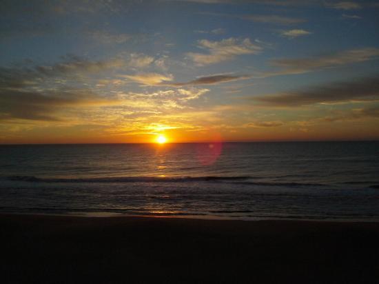 Americana Hotel : Beautiful sunrises every morning!