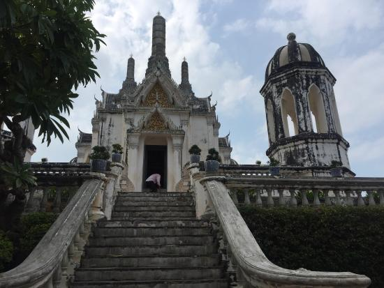 photo1.jpg - Picture of Khao Wang (Phra Nakhon Khiri Historical Park), Phetch...