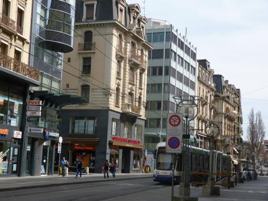 Rue du Rhône