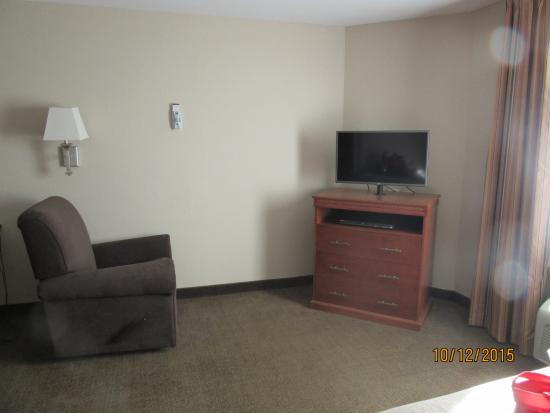 Candlewood Suites Rocky Mount: TV area