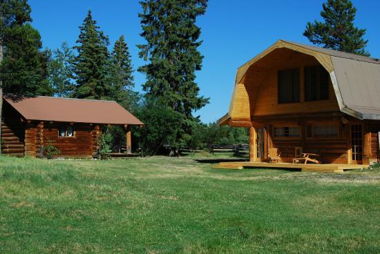 Terra Nostra Guest Ranch: Barn und Saddel Cabin
