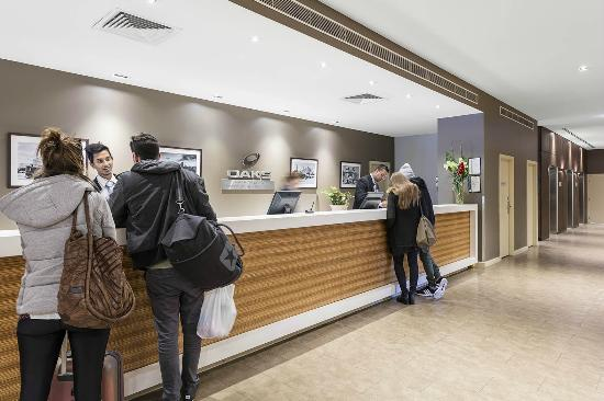 Oaks on Market: Hotel Reception