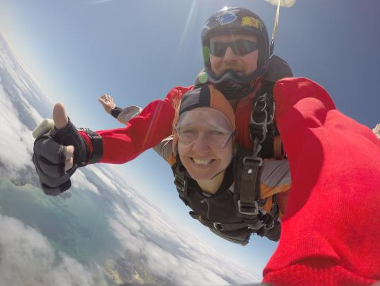 Skydive Ballistic Blondes Whangarei: High in the sky with Jim!