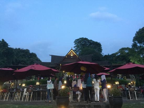 Photo2 Jpg Foto Grand Garden Resto Cafe Bogor Tripadvisor