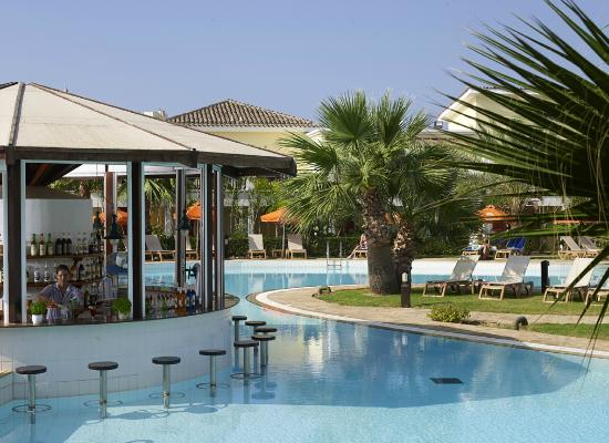 Atlantica Aeneas Hotel: Pool Bar