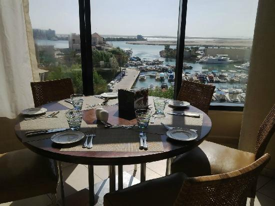 Selections Restaurant : Restaurant View