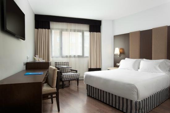 NH Madrid Sur: Room