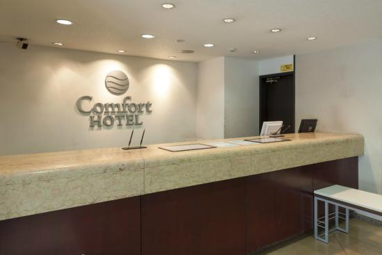 Comfort Hotel Sapporo: フロント