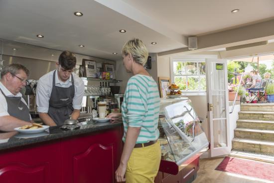 Gleneagles Guesthouse: Tearoom and Breakfast room