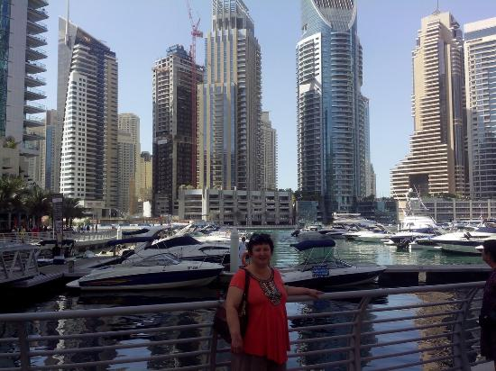 Great place to stay in picture of dubai marina for Places to stay in dubai
