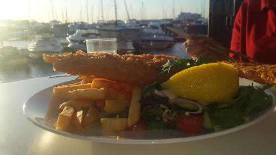 Sharky's Restaurant Bar and Grill: Fish n Chips - enough for 2