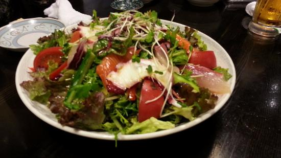Tsukijiichibaichiba Nochubo: 海鮮サラダ