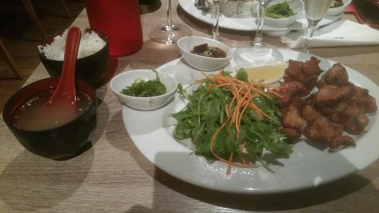 Menu tartare de saumon et Kaarage - Photo de naka restaurant