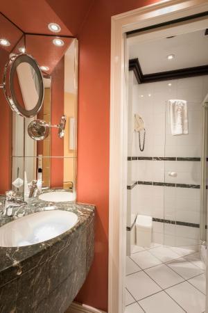 Parc Belair Hotel : Comfort room Bathroom