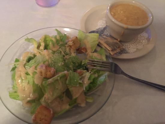 Harbor Island, เซาท์แคโรไลนา: salad and she crab soup
