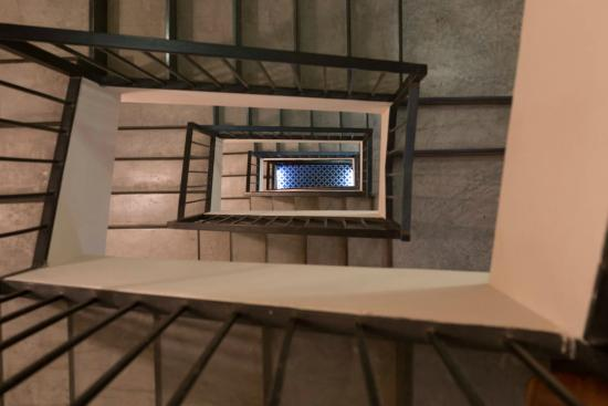 Shenkin Hotel: Stairways
