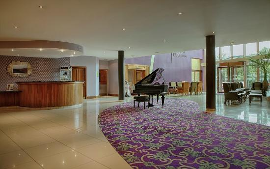 McWilliam Park Hotel: Hotel Lobby