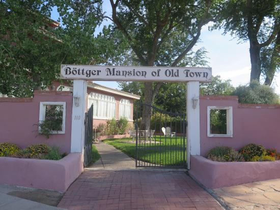 Bottger Mansion of Old Town: photo1.jpg