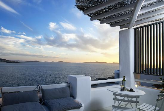 Rocabella Mykonos Art Hotel & SPA: Master Suite with Outdoor SPA bath