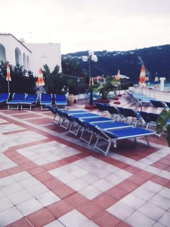 Hotel Riva del Sole: Терасса