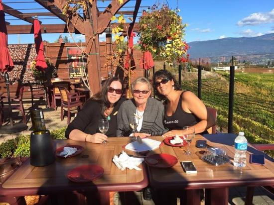 West Kelowna, Καναδάς: Finishing the day with some bread, cheese and a bottle of wine :-)