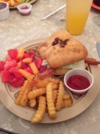 Hartselle, AL: Sandwiches are divine!