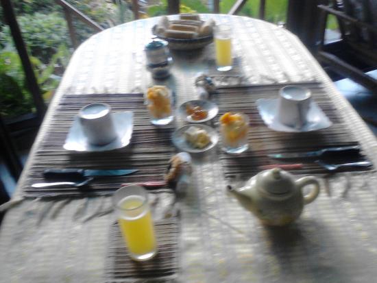 Ambatoloaka, Madagaskar: petit déjeuner