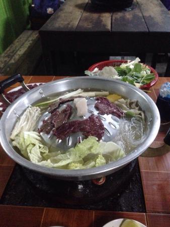 Khem Khan Sin Dad: 超好吃又便宜的火烤二吃
