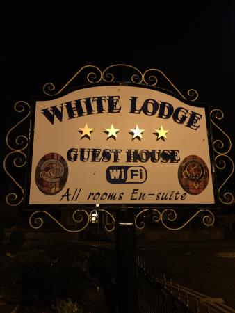 White Lodge Guest House: Plaque photo taken in the evening