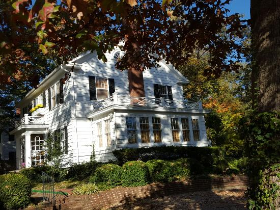 ‪‪Sidwell Friends Bed and Breakfast‬: 20151020_093526_large.jpg‬