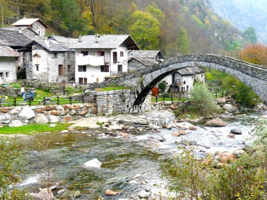 Trattoria del Ponte : Fondo, frazione di Traversella