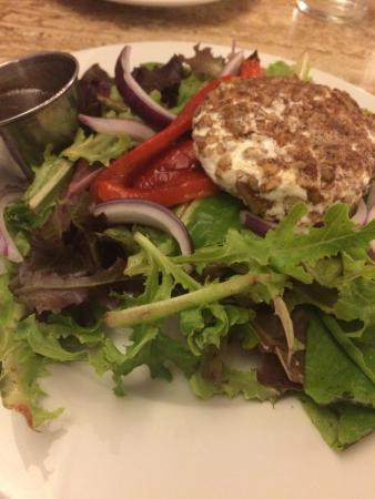 Grazin': Awesome Goat Cheese salad