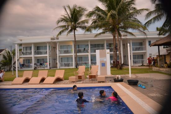 The hotel picture of island waters resort morong tripadvisor for Beach resort in morong bataan with swimming pool