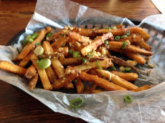 Poultney, Вермонт: Garlic Fries - Delicious - Worth the Trip