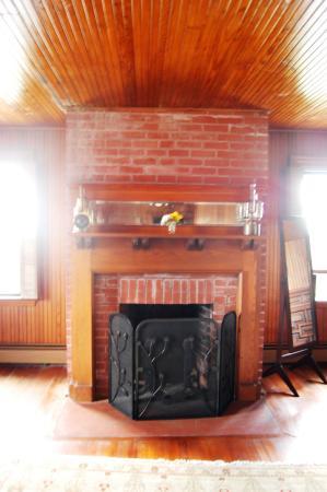 Cuttyhunk, MA: Masterroom fireplace