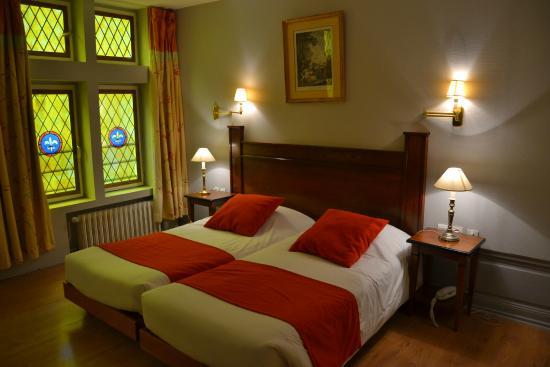 Brit Hotel Les Comtes de Champ : Chambre Charme
