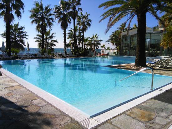 Piscine foto di hotel caravelle talasso e benessere for Caravelle piscine
