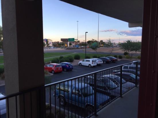 Quality Inn Phoenix North I-17: Parking lot