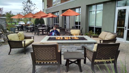 outdoor patio with fire pit picture of springhill suites rh tripadvisor com