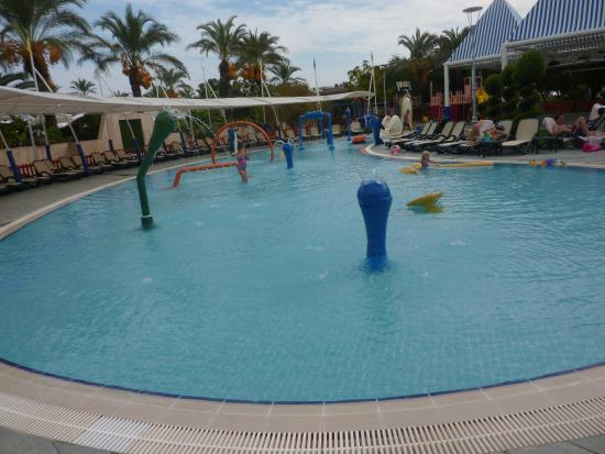 Piscine enfant picture of alva donna exclusive hotel for Piscine 07500
