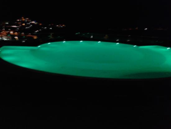 Coppitella, Italien: La piscina di notte