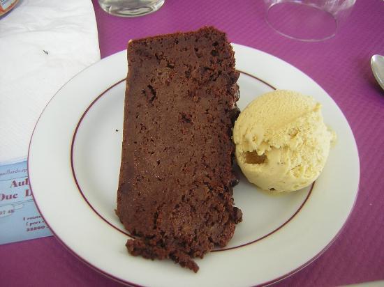 Jau-Dignac-et-Loirac, فرنسا: Pudding chocolat brioche