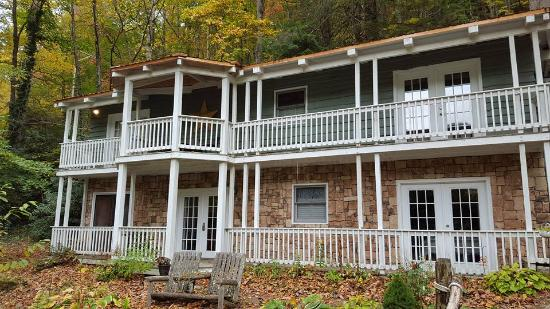 Timberwolf Creek Bed & Breakfast: The B&B