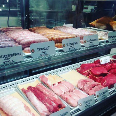 Fairview, NC: The fresh deli meat case