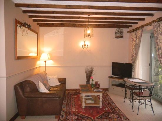 Gellilydan, UK: Y Beudy (3) One room suite seating area, patio window with countryside view