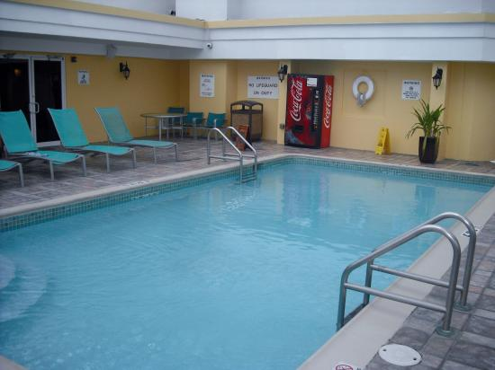 Sheraton Old San Juan Hotel: Pool area which is on top of hotel