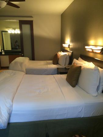 Flanigan's Inn: double queen room