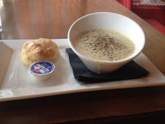 Merchantman Fresh Seafood & Oyster Bar : Chowder